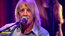 A still #28 from Status Quo: Aqoustic: Live at the Roundhouse (2014)