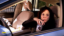 A still #33 from Weeds: Series 3 (2007)