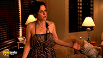 A still #32 from Weeds: Series 3 (2007)