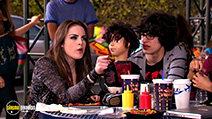 A still #30 from Victorious: Series 1 (2010)