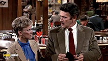 A still #4 from Cheers: Series 5 (1986)