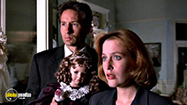 A still #9 from The X-Files: Series 3 (1995)