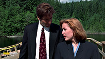 A still #8 from The X-Files: Series 3 (1995)
