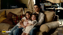 A still #19 from Dream House with Rachel Weisz, Taylor Geare and Claire Geare