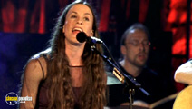 Still #2 from Alanis Morissette: VH1 Storytellers
