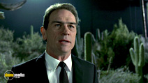 A still #13 from Men in Black with Tommy Lee Jones