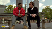 A still #19 from Men in Black with Tommy Lee Jones and Will Smith