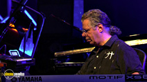 Still #5 from Return to Forever: Live at Montreux 2008