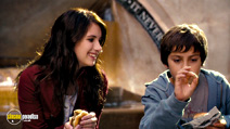 A still #3 from Hotel for Dogs with Emma Roberts and Jake T. Austin