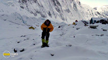 Still #7 from Everest Deadliest Climb: British Heroes