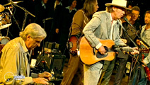 Still #5 from Neil Young: Heart of Gold