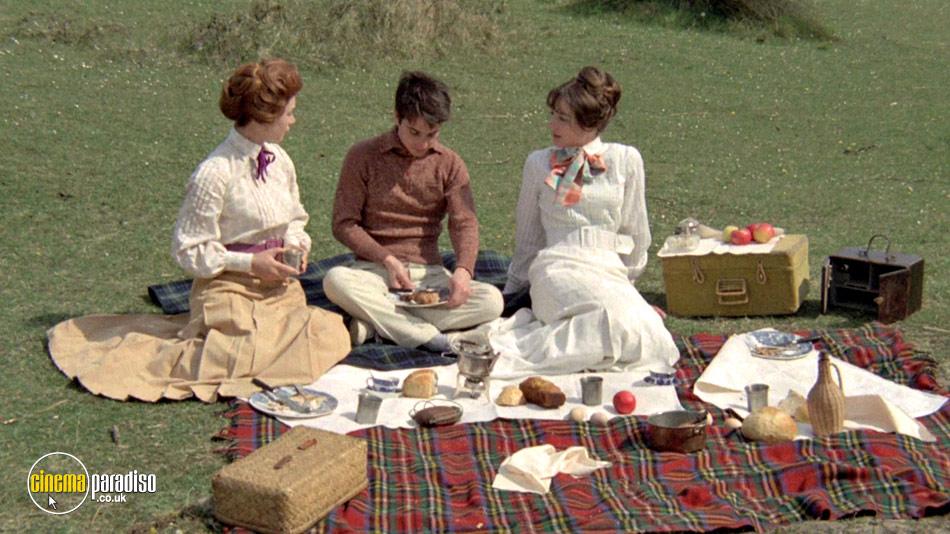 Anne and Muriel (aka Les Deux Anglaises Et Le Continent) online DVD rental