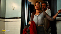 A still #15 from The Resident with Hilary Swank and Jeffrey Dean Morgan