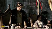 A still #30 from Robin Hood with Oscar Isaac and Léa Seydoux