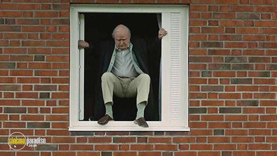 The Hundred Year-Old Man Who Climbed Out the Window and Disappeared (aka Hundraåringen som klev ut genom fönstret och försvann) online DVD rental