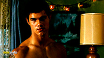 A still #19 from The Twilight Saga: New Moon with Taylor Lautner
