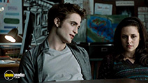 A still #15 from The Twilight Saga: New Moon with Robert Pattinson and Kristen Stewart
