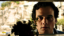 A still #45 from Trash with Wagner Moura