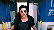 A still #6 from Chennai Express (2013) with Shah Rukh Khan