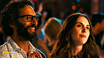 A still #3 from How to Be Single (2016) with Alison Brie and Jason Mantzoukas