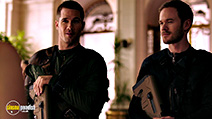 A still #7 from Killjoys: Series 1 (2015) with Luke MacFarlane and Aaron Ashmore