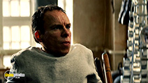 A still #8 from Get Santa (2014) with Warwick Davis