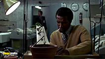 A still #9 from The Falcon and the Snowman (1985) with Dorian Harewood