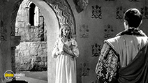A still #8 from Hamlet (1948) with Jean Simmons