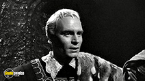 A still #3 from Hamlet (1948) with Laurence Olivier