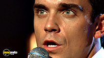 A still #3 from Robbie Williams: Live at the Albert (2001)