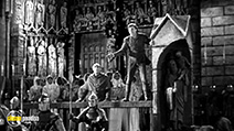 A still #7 from The Hunchback of Notre Dame (1939)