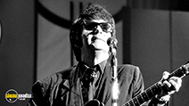 A still #2 from Roy Orbison: Black and White Night (1987)