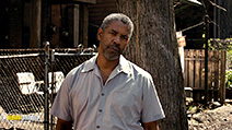 A still #4 from Fences (2016)
