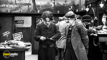 A still #24 from Charlie Chaplin: The Mutual Comedies (1917)