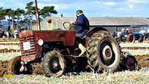 A still #7 from Classic Transport Collection: Vintage Tractors (2017)