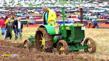 A still #3 from Classic Transport Collection: Vintage Tractors (2017)