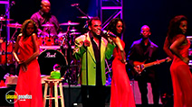 A still #22 from The Isley Brothers: Summer Breeze: Greatest Hits Live (2005)