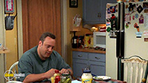 A still #29 from The King of Queens: Series 7 (2004)