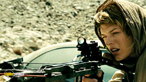 A still #21 from Resident Evil: Extinction with Milla Jovovich