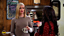 A still #7 from 2 Broke Girls: Series 6 (2016)