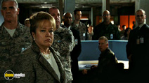 A still #28 from The Day the Earth Stood Still (2008) with Kathy Bates