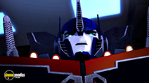 A still #32 from Transformers Prime Beast Hunters: Predacons Rising (2013)