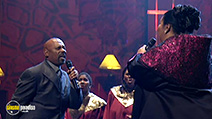 A still #5 from Divas Live: The One and Only: Aretha Franklin (2001)