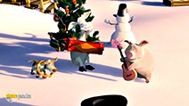 A still #32 from Masha and the Bear: Dance Fever (2013)