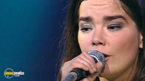 A still #9 from Björk: Live at the Royal Opera House (2001)
