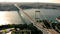 Still #5 from Crossing The Bridge: The Sound of Istanbul