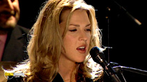 Still #3 from Diana Krall: Live at the Paris