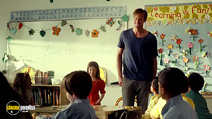 A still #5 from What Maisie Knew (2012) with Alexander Skarsgård and Onata Aprile