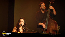 Still #4 from Norah Jones: And the Handsome Band: Live in 2004