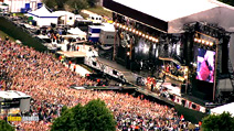 Still #1 from Robbie Williams: What We Did Last Summer: Live at Knebworth